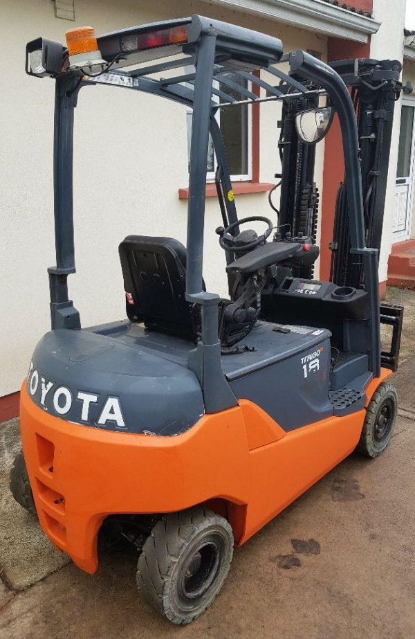 Toyota 8FBMT18 ES Forklifts