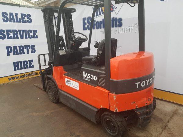 Toyota 7FBMF30 Forklift ES Forklifts