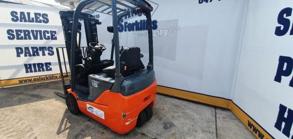 2384 Toyota Electric Forklift